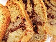 Шарен кейк с кисело мляко, ябълки и шоколад